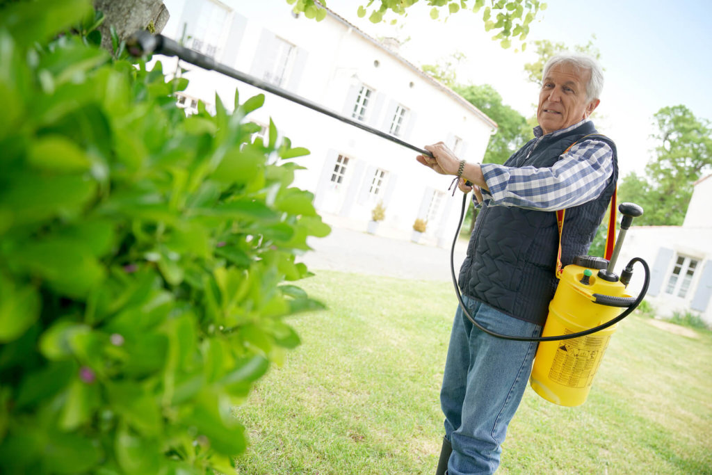 The Best Garden Sprayers: A Buyers Guide